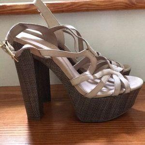 Jessica Simpson Cizal platform heel size 8